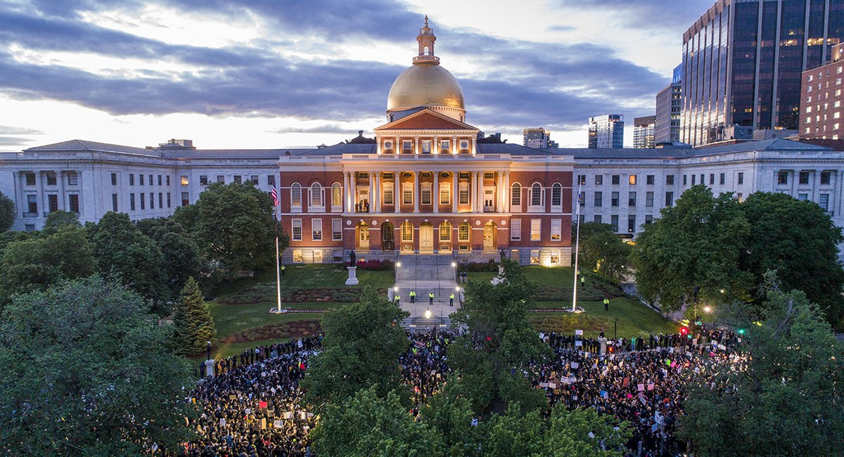 mass-state-house-protests-social